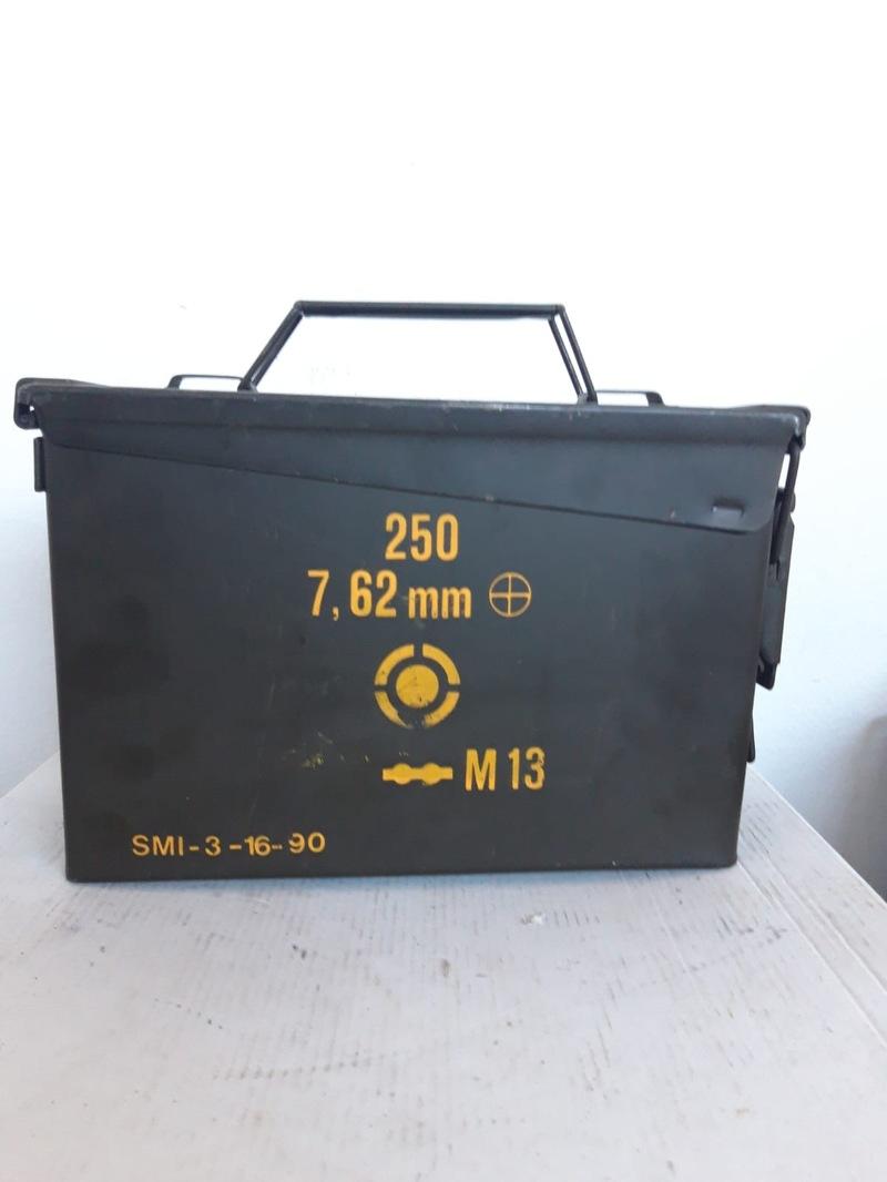 Cassetta portamunizioni in metallo 9x18x28 cm - Borsa porta munizioni ...